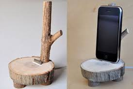 25 Wood DIY Phone Holder