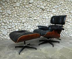 Vintage 670 Lounge Chair & 671 Ottoman By Charles & Ray Eames For Herman  Miller, 1960s Two Vintage Eames Lounge Chairs And Ottomans Ottomen In Alinum Group Alugroup Chair By Ch R For Herman Miller Table Chair Ding Room Antique Vintage Clothing Europe Rosewood Lounge Ottoman At 1stdibs Fritz Hansen Wing Cushion Dark Charles Ray Eames Stool From Excellent Original Brazilian Vitra An Fabric Really Fauteuil Rocking Chairs Chaise Longue