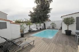 location de vacances le bois plage en re villa avec piscine n 0389