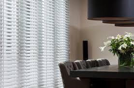 jasno holzjalousien wohnzimmer einrichten holzjalousie
