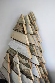 25 Ideas Of How To Make A Wood Pallet Christmas Tree   Christmas ... Reclaimed Wood Boards Amish Tobacco Lath Rustic Barn Board Primitive Santa Believe Painted Country 25 Unique Wood Crafts Ideas On Pinterest Signs 402 Best Unique Framing Ideas Images Picture Frame Image Result For How To Style The Deer Head Wall Decoration Canada Flag Custom Wood Sign Collection Farmhouse Board Decor Barn And Rseshoe Table Horse Shoe