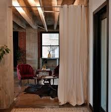 rideau separateur de rideau séparateur de pièce en matériaux différents pour se faire