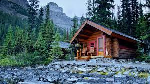 Shoreline cabin on the banks of Lake O Hara Lodge Yoho National
