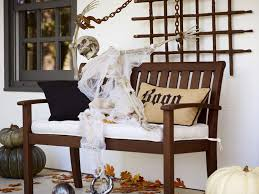 Life Size Skeleton The Wickedest Tips For Your Outdoor Halloween Decorations