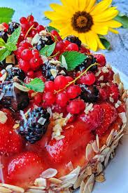 obstkuchen mit vielen bunten früchten instakoch de