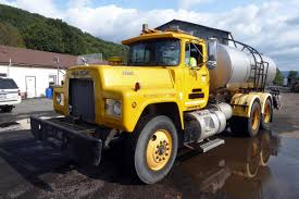 100 Water Tanker Truck 1981 Mack R686ST Tandem Axle For Sale By Arthur