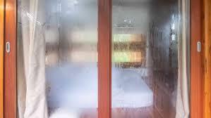 feuchtigkeit im schlafzimmer mit diesen 5 tipps werdet ihr