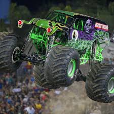 100 Monster Truck Oakland Grave Digger Returns To Macomb Mall Local