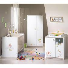 tapis de chambre winnie l ourson chambre de bébé decoration de chambre bebe winnie l ourson