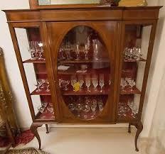 details zu vitrine schrank antik antiquität chippendale nussbaum schauglas wohnzimmer