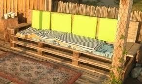 de jardin faits avec des palettes en bois