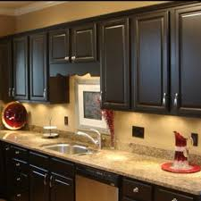 Kitchens With Dark Cabinets And Light Countertops by 39 Best Kitchens W Dark Cabinets Images On Pinterest Dark