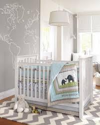 chambre bébé blanc chambre enfant tapis chambre bébé gris blanc zigzag murs gris clair