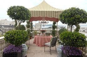 Party Ideas To Color Your Spring Joy Elegant Outdoor Decor