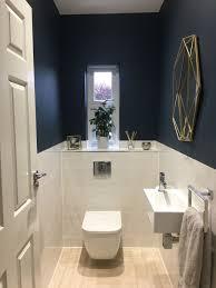bauernhaus badezimmer schwimmendes regal mit handtuchhalter