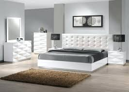 chambre a coucher blanc deco chambre a coucher deco chambre coucher design commode rer