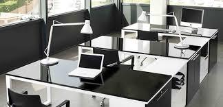 bureau noir laqué artdesign bureaux design avec plateaux laqués vernis
