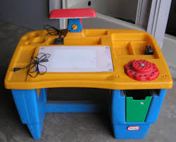 fisher price little tikes lighted art desk had this one my