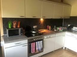 gebrauchte küche in l form weiß geriffelt