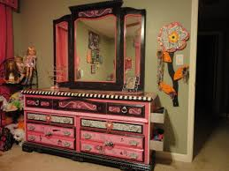 Monster High Twin Bed Set by Monster High 2 Drawer Black And Pink Bedroom Storage Unit By