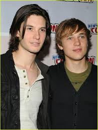 Ben Barnes & William Moseley Hug It Out: Photo 1077411 | Ben ... Ben Barnes Smolders In Spain Photo 1240631 Anna Popplewell Fewilliam Moseley French Pmiere 127 Besten William Moseley Bilder Auf Pinterest Narnia Cap D The Chronicles Of Prince Caspian Sydney Pmiere Photos Of Narnias Will Poulter William Tripping Through Gateways Fans Wmoseley Twitter Cross Swords Oh No They Didnt 122 Best Images On