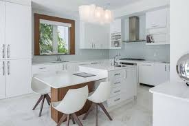 table cuisine moderne design 99 idées de cuisine moderne où le bois est à la mode kitchens