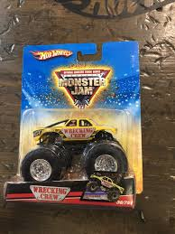 100 Shark Wreak Monster Truck 2009 MONSTER JAM WRECKING CREW 3675 Now Then Forever Collectibles