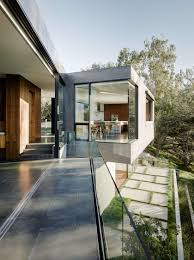 100 Minimalist Homes For Sale An Upside Down Beverly Hills Home With A Minimalist Exterior