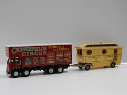 1:50 Foden Closed Pole Truck With Caravan