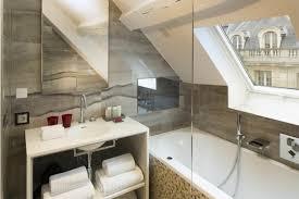 badgestaltung in der dachgeschosswohnung und wie das am