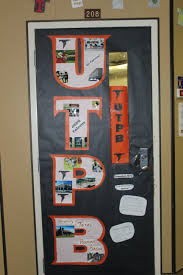 Halloween Office Door Decorating Contest Ideas by Backyards Images About College Doors Texas State