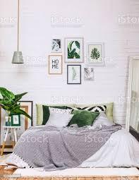 schlafzimmer innenraum haus stil muster weiß grün stockfoto und mehr bilder architektur