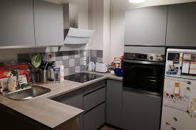 cuisine gris souris réalisations cuisine ouverte sur séjour modèle gris souris mat
