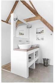 bad schiefer holz badezimmer dachschräge badgestaltung