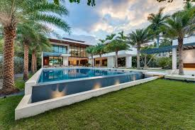 100 Modern Homes In Miami Pin By Jim Mcvey On Pools Beach Mansion