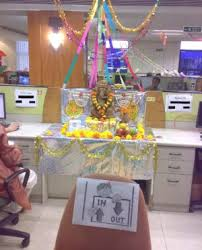 Cubicle Decoration Themes India by Halloween Office Decoration Come With Gost Office Decor And Spider