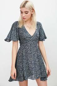 Kimchi Blue Lisa Cape Sleeve Mini Dress