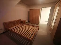 schlafzimmer einrichtung bett kleiderschrank nachttisch wg