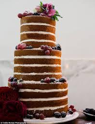 Rustic Wedding Cake With Berries Superfine Bakery Yvette Roman Photography Beth Helmstetter Events Bliss Bone