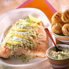 cuisiner filet de saumon recette filet de saumon de norvège grillé à la crème de fenouil tiède