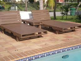 chaise longue palette chaise longue palette faire soi m me un bain de soleil en bain de