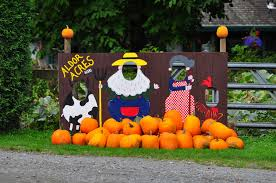 Sacramento Pumpkin Patch With Petting Zoo by 13 Cozy Crazy Dark And Lazy Things To Do This Fall In Vancouver