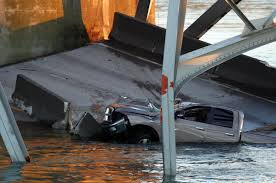 Truck Bumped Wash. Bridge Just Before Collapse | Tbo.com Truck Wash Yellowhead The Future Vernon Transportation Company Ca Dales Transport Washing Youtube Exterior Trailer Bowling Green Owensboro Ky Driving Kenworths Erevolving T880 News Kenworth Topics Services Overview Superior Carriers And Carry Transit Trucker Forum Trucking Venta De Camiones En Guatemala 2014 Vehculos Pinterest Truckdomeus Greenwave Farms Csolidation