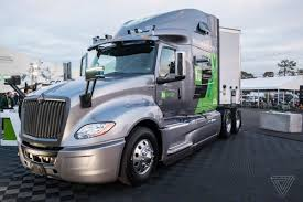 100 Semi Truck Images Daimler Is Beating Tesla To Making Semiautonomous Big Rigs The Verge