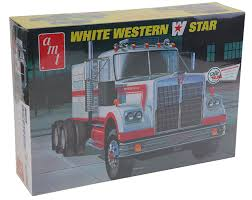 Amazon.com: AMT 1/25 White Western Star Semi Truck Model Kit: Toys ...