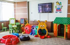 jeux de amoure dans la chambre salle de jeux enfant comment la meubler et la décorer