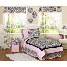 Pink Bedding for a Feminine Bedroom Bedding Selections