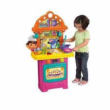 dora the explorer cooking adventure sizzling surprises toy kitchen