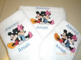 Mickey And Minnie Mouse Bath Decor by Mickey U0026 Minnie Mouse Sitting Back To Back 3 Piece Embroidered