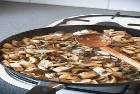 cuisiner cepes frais comment cuisiner les cepes hostelo